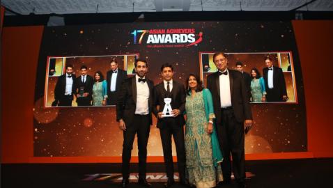 Farhan Akhtar wins at the 17th Annual Asian Achievers Awards 2017