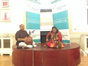 Mr. Prakash on Ghatam & Dr.Jyotsna Srikanth on Violin during the Press meet in London
